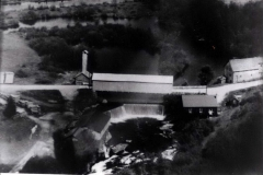 Pont couvert et moulin
